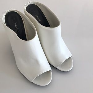 Forever 21 White open toe Clogs